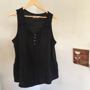 Black sleeveless top (XXL: 20)